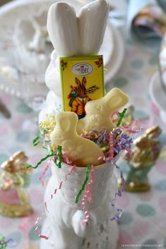 Floral Friday: Teapot Bouquets + Lakeside Table by the Azaleas – Home is Where the Boat Is Easter Salad, Vintage Sweets, Speckled Eggs, Easter Table, Easter Decor, Easter Crafts, Spring Salad, Box Cake Mix, Diy Bouquet
