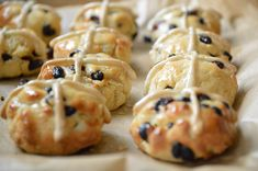 Free from Hot Cross Buns 7 Large
