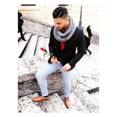 Rome fashion, blazer, rose, pompadour