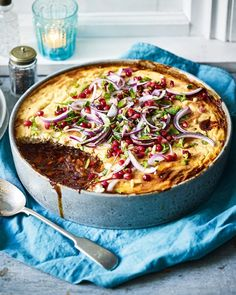 Mar 2020 - An impressive vegetarian main course that's so easy to make – a rich mushroom and beluga lentil ragù is topped with a cheesy tahini crust. Salad Recipes For Dinner, Dinner Salads, Veggie Recipes, New Recipes, Vegetarian Recipes, Cooking Recipes, Cleaning Recipes, Holiday Recipes, Veggie Dinners