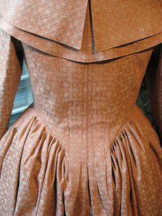 18th C. En Fourreau Back - The Lazy Dressmaker's Version