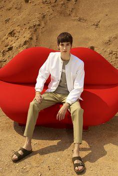 snap button bomber   Maison Kitsuné Spring 2016 Menswear - Collection - Gallery - Style.com