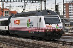 Re 460 083-9 mit der COOP Werbung