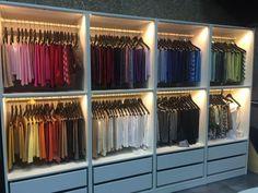 145 creative wardrobe design ideas that inspire on -page 22 Walk In Closet Design, Bedroom Closet Design, Master Bedroom Closet, Wardrobe Design, Closet Designs, Bedroom Wardrobe, Wardrobe Closet, Ideas Armario, Closet Layout