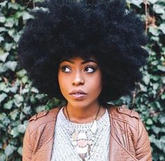 Natural Hair Journey — I love the shape of their afros! Natural Hair Journey — I love the shape of their afros! Pelo Natural, Long Natural Hair, Natural Hair Journey, Belleza Natural, Natural Makeup, Natural Curls, Natural Afro Hairstyles, Wig Hairstyles, Black Hairstyles