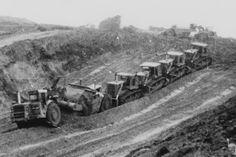 Heavy Construction Equipment, Road Construction, Heavy Equipment, Vintage Tractors, Old Tractors, John Deere Tractors, Operating Engineers, Earth Moving Equipment, Caterpillar Equipment
