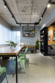 Add Personality To Your Space With This Interior Design Advice – Decoration Inspired Industrial Interior Design, Industrial Interiors, Industrial House, Home Interior Design, Interior Architecture, Contemporary Interior, Loft Design, House Design, Living Room Designs