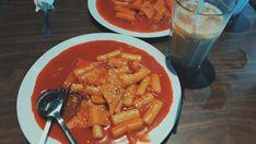 Tteokbokki🔥 Tteokbokki, Thai Red Curry, Waffles, Eat, Breakfast, Ethnic Recipes, Food, Morning Coffee, Essen