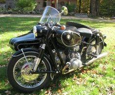 1970 - 1971: BMW R60 (1966) & Hollandia sidecar  Someday I'll have a moto with a sidecar.