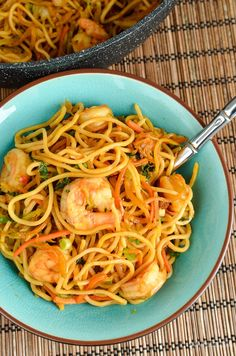 Slimming Eats Low Syn Sweet Chilli Prawns and Noodles - dairy free, Slimming World and Weight Watchers friendly