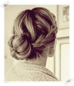 About HAIR - Kalastajan vaimo - ME NAISET