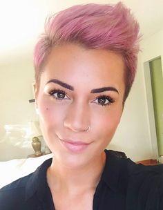 New hair cuts short funky faux hawk 31 ideas Faux Hawk Hairstyles, Pixie Hairstyles, Pixie Haircut, Short Hairstyles For Women, Trendy Hairstyles, Pink Short Hair, Short Straight Hair, Short Hair Cuts, Hair Color Pink