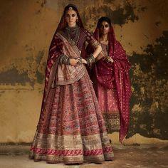 Latest Bridal Lehenga Designs by Sabyasachi - Fashion Foody Indian Bridal Lehenga, Indian Bridal Outfits, Indian Bridal Fashion, Indian Designer Outfits, Indian Dresses, Sabyasachi Lehenga Bridal, Floral Lehenga, Indian Designers, Lengha Choli