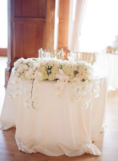 romantic sweetheart table ideas for your wedding. Stunning Reasons to Have a Sweetheart Table. Sweetheart tables for your wedding. Luxury Wedding Decor, Chic Wedding, Elegant Wedding, Wedding Table, Floral Wedding, Wedding Details, Wedding Styles, Our Wedding, Wedding Flowers