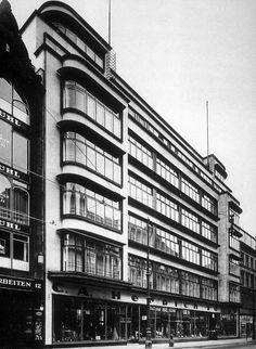 Das Pelz- und Modehaus C.A. Herpich Söhne in der Leipziger Straße. Pelze mit Weltruhm. Berlin, 1928. o.p.