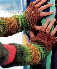 Митенки спицами без пальцев, нарукавники с большим пальцем