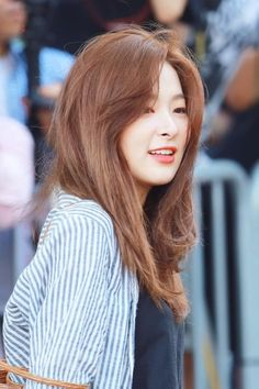 Uploaded by Kpoplove~. Find images and videos about red velvet and seulgi on We Heart It - the app to get lost in what you love. Kpop Girl Groups, Kpop Girls, Korean Girl, Asian Girl, Irene, Kang Seulgi, Red Velvet Seulgi, Hair Inspo, My Girl