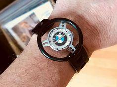 G Shock Watches, Watches For Men, Bmw Quotes, Bmw Accessories, Bmw Love, Automotive Group, Bmw 2002, Bmw Series, Bmw Z4