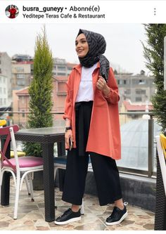 Outfit inspo Modern Hijab Fashion, Islamic Fashion, Muslim Fashion, Modest Fashion, Fashion Outfits, Modest Dresses, Modest Outfits, Modele Hijab, Casual Hijab Outfit