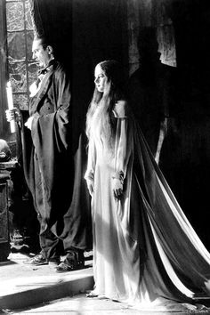 Mark of the Vampire (1935) - Bela Lugosi with Carol Borland
