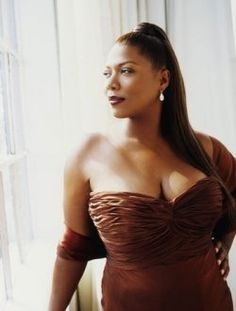 Queen Latifah, is always the person people say I remind them of! Crazy, I love her!