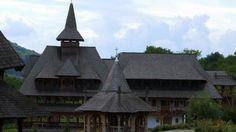 Mănăstirea Bârsana O călătorie virtuală prin Maramureş - galerie foto. Vezi mai multe poze pe www.ghiduri-turistice.info Sursa : http://ro.wikipedia.org/wiki/Fișier:Manastiera_Barsana_02.jpg