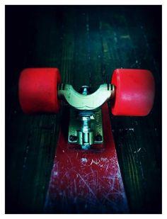 Classic skateboard: G&S Fibreflex Henry Hester Slalom deck, red Kryptonics, gold Gull Wing HPG trucks, Sims gold bearings. Skate Electric, Ray Bradbury Books, Vintage Skateboards, Rare Vinyl Records, Space Toys, Atomic Age, Gull, My Ride, Deck