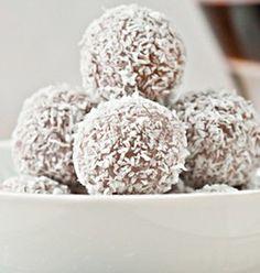 Cacao, dadel en kokos balletjes -  Een ideale snack voor vitamines, vezels, goede vetten en niet te vergeten: zonder suiker!