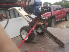 Mini Trencher - Homemade mini trencher constructed from a surplus rototiller chassis, gasoline engine, chain, steel plate, and pulleys. Metal Projects, Welding Projects, Cool Things To Build, Homemade Tractor, Old Tractors, Small Tractors, Garden Tool Storage, Farm Tools, Gasoline Engine