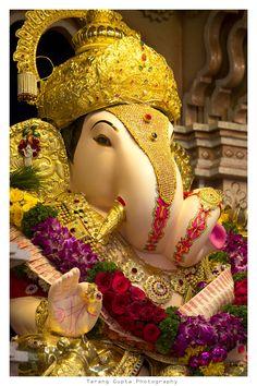 Ganpati Bappa Moriya - Famous Temple Dagdusheth H Ganesh Pic, Shri Ganesh Images, Ganesh Lord, Ganesh Statue, Ganesha Pictures, Ganesha Art, Jai Ganesh, Krishna Art, Ganpati Bappa Photo