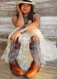 gypsyville junk gypsies farmgirl.  fruffly skirt, big boots and lots of shinies.  i'm all about it.