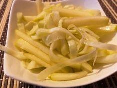 Káposztás zöldalma saláta Celery, Macaroni And Cheese, Ale, Vegetables, Ethnic Recipes, Food, Mac And Cheese, Ale Beer, Essen