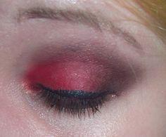 Red eye shadow on Juyey.com
