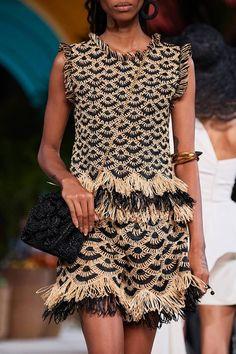 Oscar De La Renta Spring/Summer 2020 Ready-To-Wear - women fashion 2020 Knit Fashion, Look Fashion, Fashion Show, Fashion Design, Classy Fashion, Vogue Fashion, French Fashion, Indian Fashion, Korean Fashion