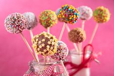 Planning a party for friends and family? Don't forget about the kitchen. Get your party planning checklist ready with these tips to prepare. Buffets, Cakepops, Krispie Treats, Rice Krispies, Jello Jigglers, Electronic Invitations, Cheese Trays, Types Of Cakes, Food Categories