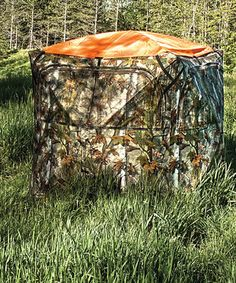 Hunters can stay safe from others marks men with this bright orange hub blind cover. Boasting a durable polyester construction that will stay no matter the weather, it is a great accessory for anyone planning to use a hunting hub in hopes of bagging that prize buck this season.