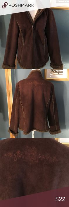 L L bean XL brown winter coat Above average condition. No flaws or discoloration is noted. See picture for further details. 23 inches armpit to armpit 26 inches long zipper up Jackets & Coats