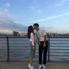 When he closes his eyes even for cheek kiss Korean Couple, Best Couple, Cute Couples Goals, Couples In Love, Korean Girl Style, Couple Ulzzang, Couple Goals Cuddling, Couple Aesthetic, Kpop Couples