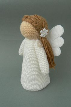 It looks like a stuffed version of Willow Tree stuff. Ravelry: Little Angel Amalka pattern by Katka Reznickova - Crafting Is My Life Christmas Crochet Patterns, Holiday Crochet, Christmas Knitting, Crochet Gifts, Cute Crochet, Crochet Ornaments, Crochet Snowflakes, Beautiful Crochet, Crochet Amigurumi