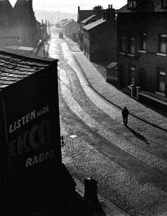 Wolfgang Suschitzky Sunday Morning, Oldham, 1946 From I am a lucky man