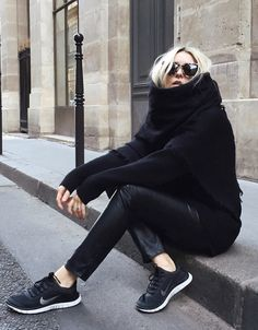 Le parfait total look noir #193 (photo Figtny)