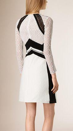 Branco Vestido evasê de algodão com patchwork de renda - Imagem 2