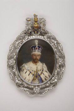 Miniature Portrait of King George V (1865-1936) (gold, platinum, diamonds, enamels, painting on ivory) Spada Collection, on loan, Musée de la Légion d'Honneur