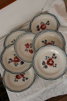 Digoin Magali Plates And Bowls, Old Toys, Red White Blue, Dinnerware, Tea Cups, Decorative Plates, Dishes, Cutlery, Tableware