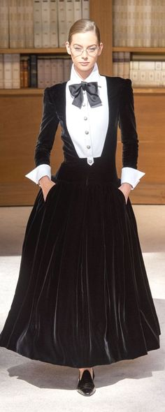 Chanel Haute Couture Fall-Winter - Fashion Show Style Couture, Couture Mode, Couture Fashion, Matthew Williamson, Christopher Shannon, Charlotte Ronson, Chanel Outfit, Betsey Johnson, News Fashion