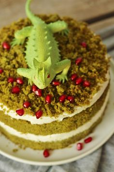 my sunday feast: vanilla moss cake/vanilkový mechový dort Moss Cake, Tiramisu, Vanilla, Ethnic Recipes, Desserts, Sunday, Food, Kitchen, Diy