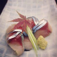 Makerel sashimi#sashimi#sushi Sushi Co, Sashimi Sushi, Make Your Own Sushi, Tropical Fruits, Japanese Food, Bon Appetit, Food Art, Seafood, Cake Decorating