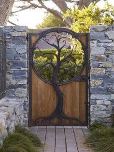 Gorgeous Iron and Wooden Garden Gate Decoration Ideas - Home Garden Wooden Garden Gate, Garden Gates, Garden Art, Home And Garden, Garden Tools, Garden Ideas, Tor Design, Gate Design, Design Cour