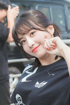 Photo album containing 7 pictures of Momo Nayeon, Kpop Girl Groups, Korean Girl Groups, Kpop Girls, These Girls, Cute Girls, Belive In, Loona Kim Lip, Twice Korean