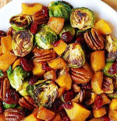 18 Christmas Side Dishes Every Christmas Table Needs   http://homemaderecipes.com/18-christmas-side-dishes/